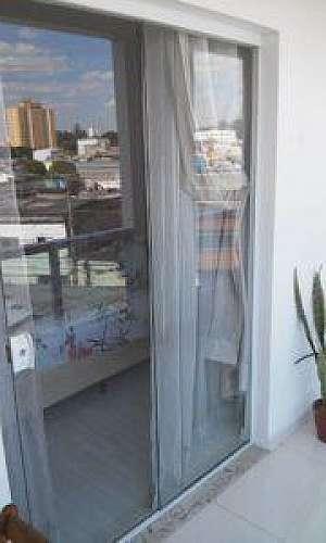 Orçamento de porta de vidro temperado